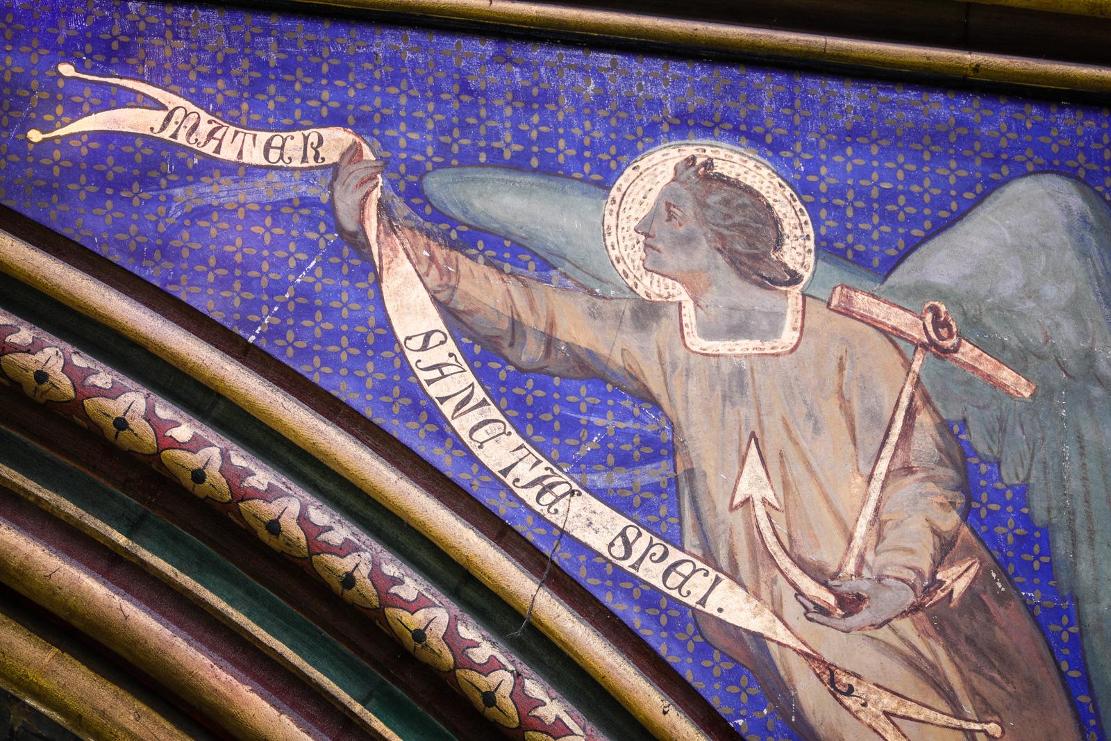 Détail de l'ange portant une litanie