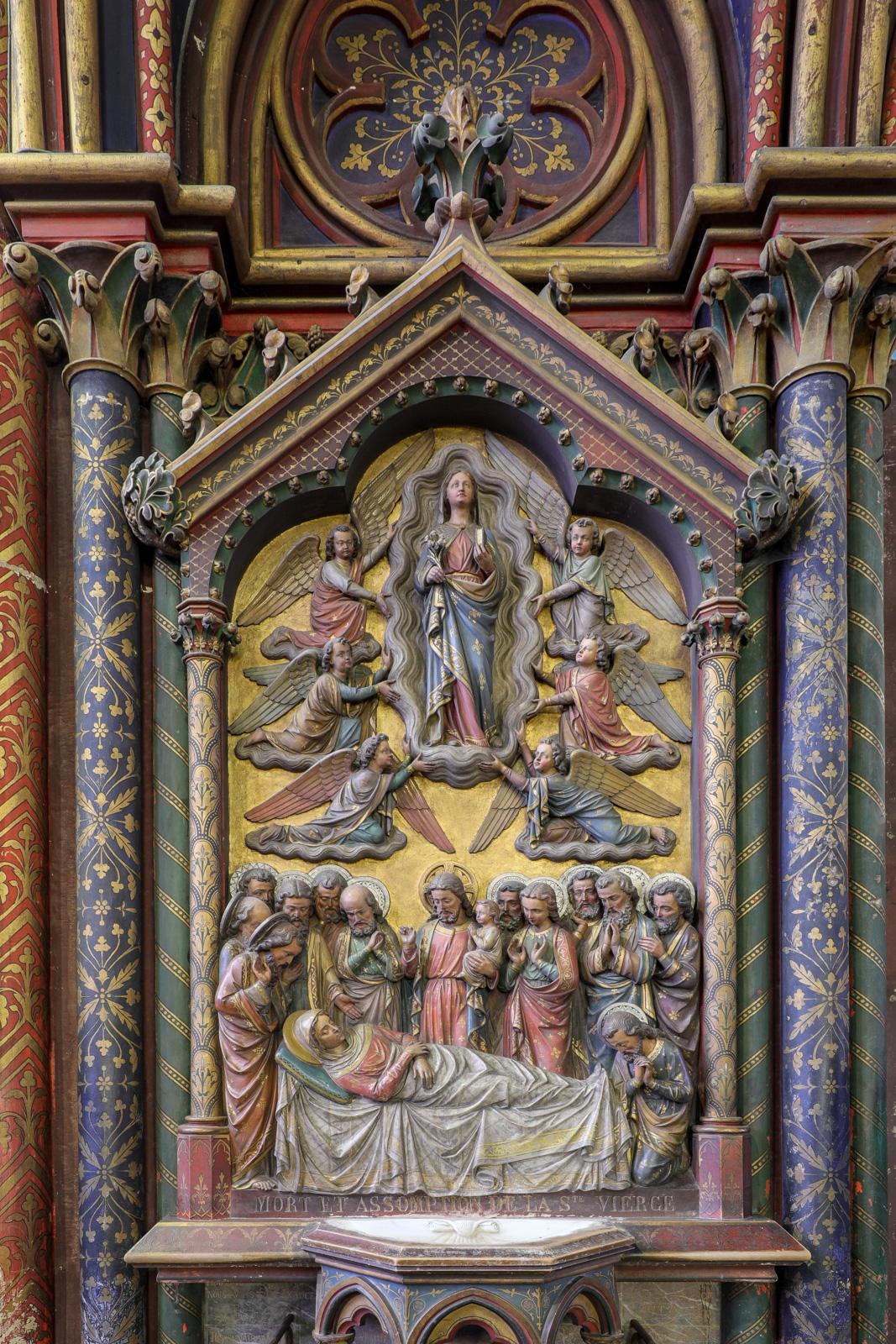 Bas-relief du bénitier « La mort et l'Assomption de Marie »